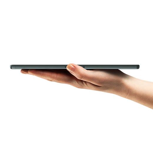 يحتوي الجهاز اللوحي M10 Plus من لينوفو على شاشة مقاس 10.3 بوصة وبطارية 7000 مللي أمبير في الساعة 2